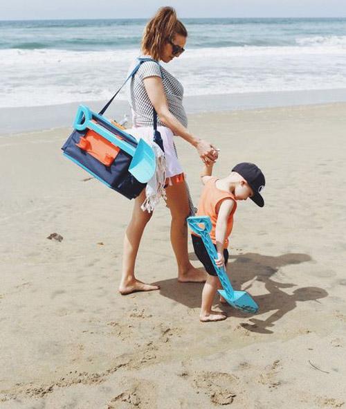 Que llevar a la playa con un bebé